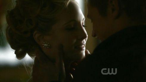 Caroline Matt kiss