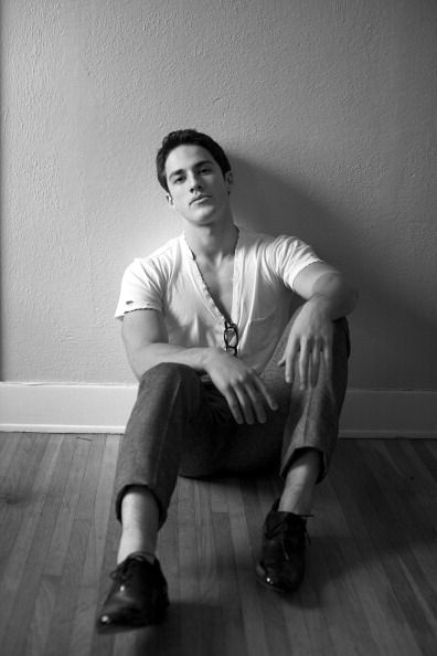 michael-trevino-no-socks