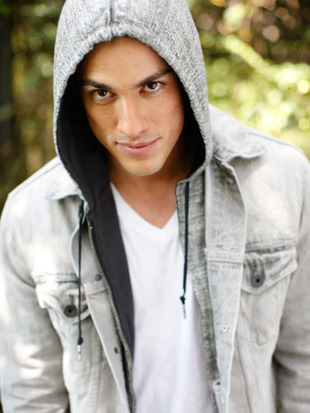 michael-trevino-seventeen-two